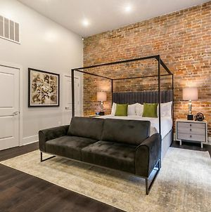 Ultra Luxe Studio King Bed, Futon & Full Kitchen - The Sazerac photos Exterior