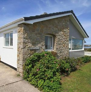 Ty Bychan - Sea Views - 4 Bed Bungalow-Ravenspoint photos Exterior