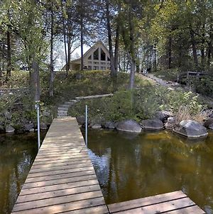 Lakefront Hideaway photos Exterior