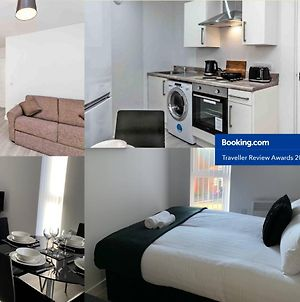 Air Host And Stay - Apartment 8 Barall Court - Sleeps 6 Minutes From Lfc Free Parking photos Exterior