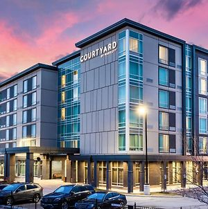 Courtyard By Marriott Burlington photos Exterior