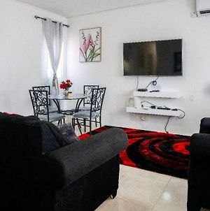 Home -Felt Two Bedroom Vacation Home In Portmore photos Exterior