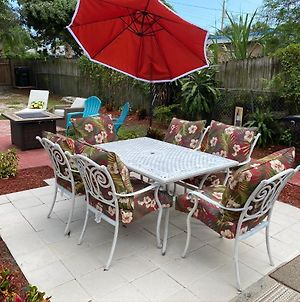 Big Backyard! 3 Bedrooms! Fire Pit! Grill! Free Parking! 4 Min To Beach! And 95! photos Exterior