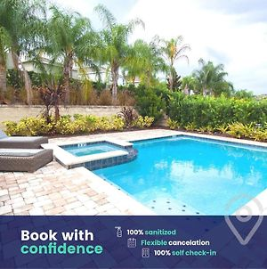 Lovely Home With Free On-Site Waterpark! photos Exterior