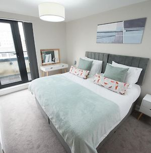 2 Bedroom Apartment Brentwood Essex Holborn - Hosted By Space Apartments photos Exterior