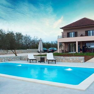 Two Bedroom Villa With Swimming Pool For A Pleasant Stay - Ae1181 photos Exterior