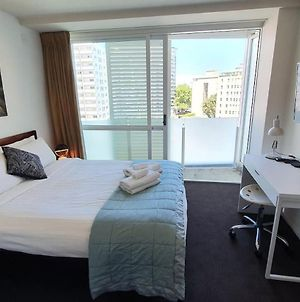 Central Studio With Balcony Views And Free Wifi photos Exterior