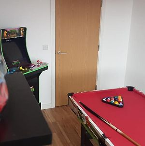 Amazing 2-Bed In Media City Games Room photos Exterior