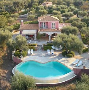 Beautiful 3-Bed Villa With Pool And Amazing Views photos Exterior