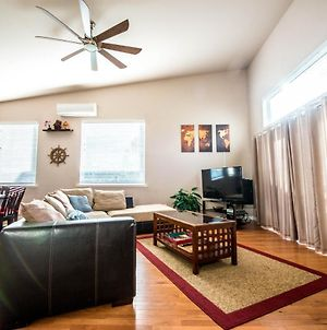 Spacious Seattle Home For Families And Pets - Fast Internet! photos Exterior