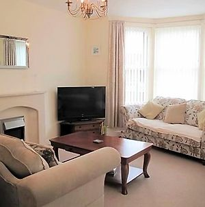Ley House Filey - 4 Bedroom Central House - Bright And Spacious, 2 Parking Spaces photos Exterior