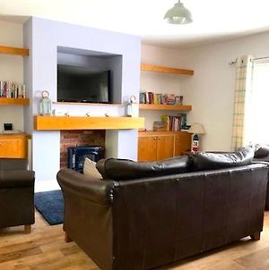 Beach Cottage - 30 Steps From Beach - Luxury House With Covered Table Tennis - Netflix Smart Tv photos Exterior