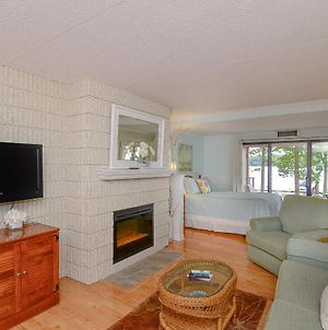 105A Lakefront Efficiency Condo With Patio, Recently Updated! photos Exterior