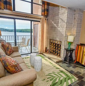 504F - Cozy Lakefront 3 Bedroom Condo With Fireplace And Balcony! photos Exterior