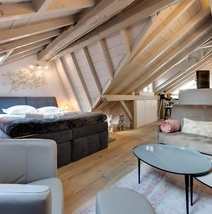 The Attic - Ideally Located In The Old Town photos Exterior