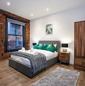Stunning 1 Bedroom Apartment In A Converted Printing Press photos Exterior
