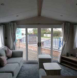 8 Berth Central Heated On Buttercup Meadow photos Exterior