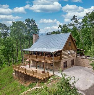 Hand Hewn Hideaway Stunning Gatlinburg Cabin With Hot Tub Table Games And Outdoor Oasis photos Exterior