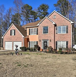 Spacious Lilburn Family Home With Private Yard! photos Exterior