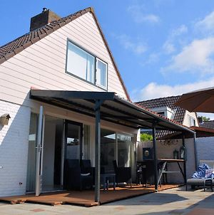 Lovely Holiday Home In Noordwijkerhout Near Lake photos Exterior