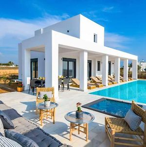 Lachania Villa Sleeps 8 With Pool And Air Con photos Exterior
