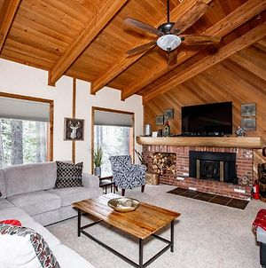 New Listing!! 3 Bed, 2 Bath Mountain House - Private Hot Tub - Sleeps 10-12 - Indoor & Outdoor Pools At Ptarmigan Village photos Exterior