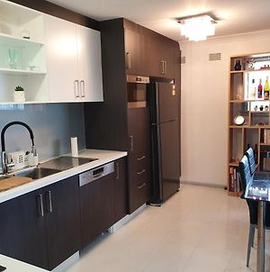 Own Room 1 With Aircon Free Wifi, Netflix photos Exterior