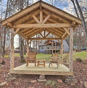 Creek-View Getaway With Deck, Yard And Fire Pit! photos Exterior