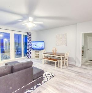 Brand New!Laketown Wharf 233! Beautiful 3 Bd, Great Amenities, And Great Location photos Exterior