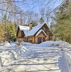 Secluded Lakefront Cabin With Deck Ski And Hike! photos Exterior