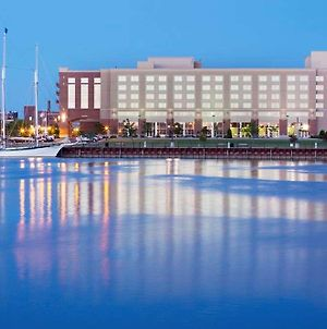 Doubletree By Hilton Bay City - Riverfront photos Exterior