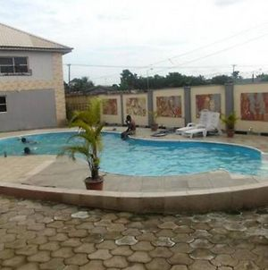 Room In Lodge - Treasureland Hotelsresort For Luxury And Comfort In The City Of Calabar photos Exterior