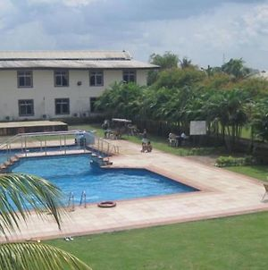 Room In Lodge - Axari Hotelsaffordable And Luxurious Hotel In Calabar photos Exterior
