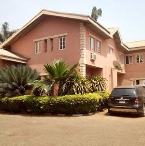 Room In Lodge - The Maybach Hotel Resort Is A Sophisticated Affordable Hotel In Enugu photos Exterior