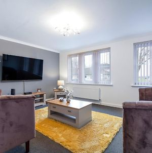 Large 4Bed With Bt Sports Inc Free Parking By Klarok Accommodation Ltd photos Exterior