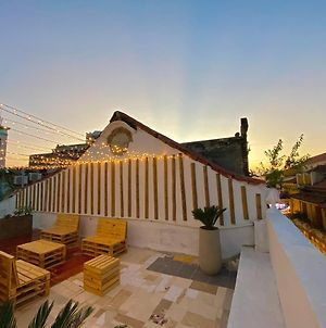 Luxury Downtown Apartment & Rooftop photos Exterior