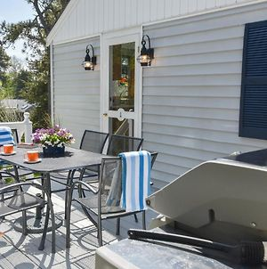 605 A Quaint Cape Home Only A Minute From The Most Beautiful Stretch Of Beach In Chatham photos Exterior