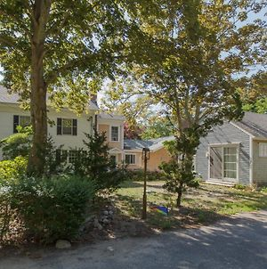 319 Family Compound Game Room 2 Min Walk To Downtown 5 Min To Long Pond photos Exterior