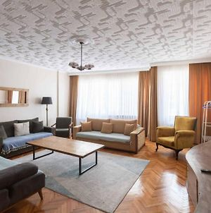 Nova Homes Newly Decorated, Spacious Flat With 3 Bedrooms & 2 Bathrooms! 2 Mins To Taksim Square photos Exterior