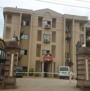 Room In Lodge - Randekhi Royal Hotel Is A 4-Star Hotel In Benin City photos Exterior