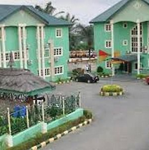 Room In Lodge - Green Valley Hotels Gardensbudget Hotel In Calabar photos Exterior