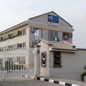 Room In Lodge - Travel House Ibadanluxurious And Affordable Hotel In Ibadan photos Exterior
