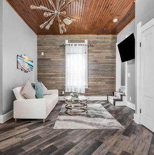 Modern 3 Bedroom House In Fountain Square 3 Min To Lucas Oil photos Exterior