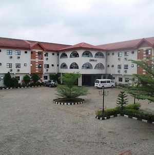 Room In Lodge - Lawfab Hotel Suitesbudget Hotel In Asaba photos Exterior