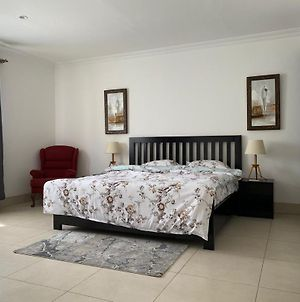 Fully Furnished 3 Bedrooms photos Exterior