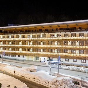 Radisson Residences Savoia Palace Cortina D'Ampezzo photos Exterior