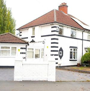 Large & Comfy House In Birmingham, 4 Bedroom,Secured Free Parking ,Free Wifi photos Exterior