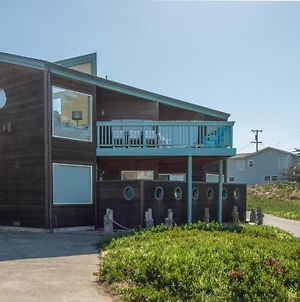 Knot-A-Care! Hot Tub!! Walk To Beach!! Bbq! Fast Wifi!! photos Exterior
