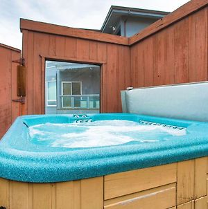 Abalone Alcove! Hot Tub! Pool Table! Amazing Views! Fast Wifi!! Dog Friendly! photos Exterior