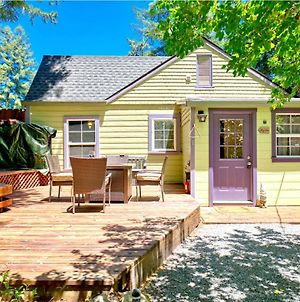 Mystic Cottage! Redwoods!! Hot Tub!! Fire Table!! Private & Serene! Dog Friendly!! photos Exterior